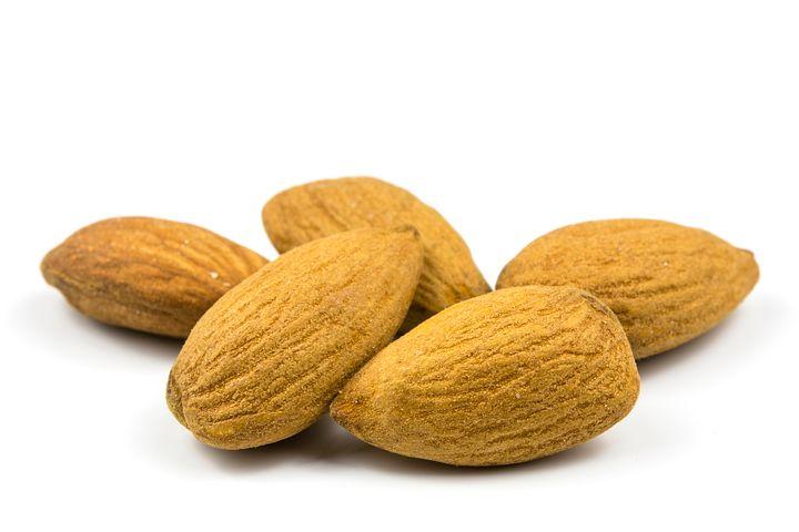 almonds-3247705__480